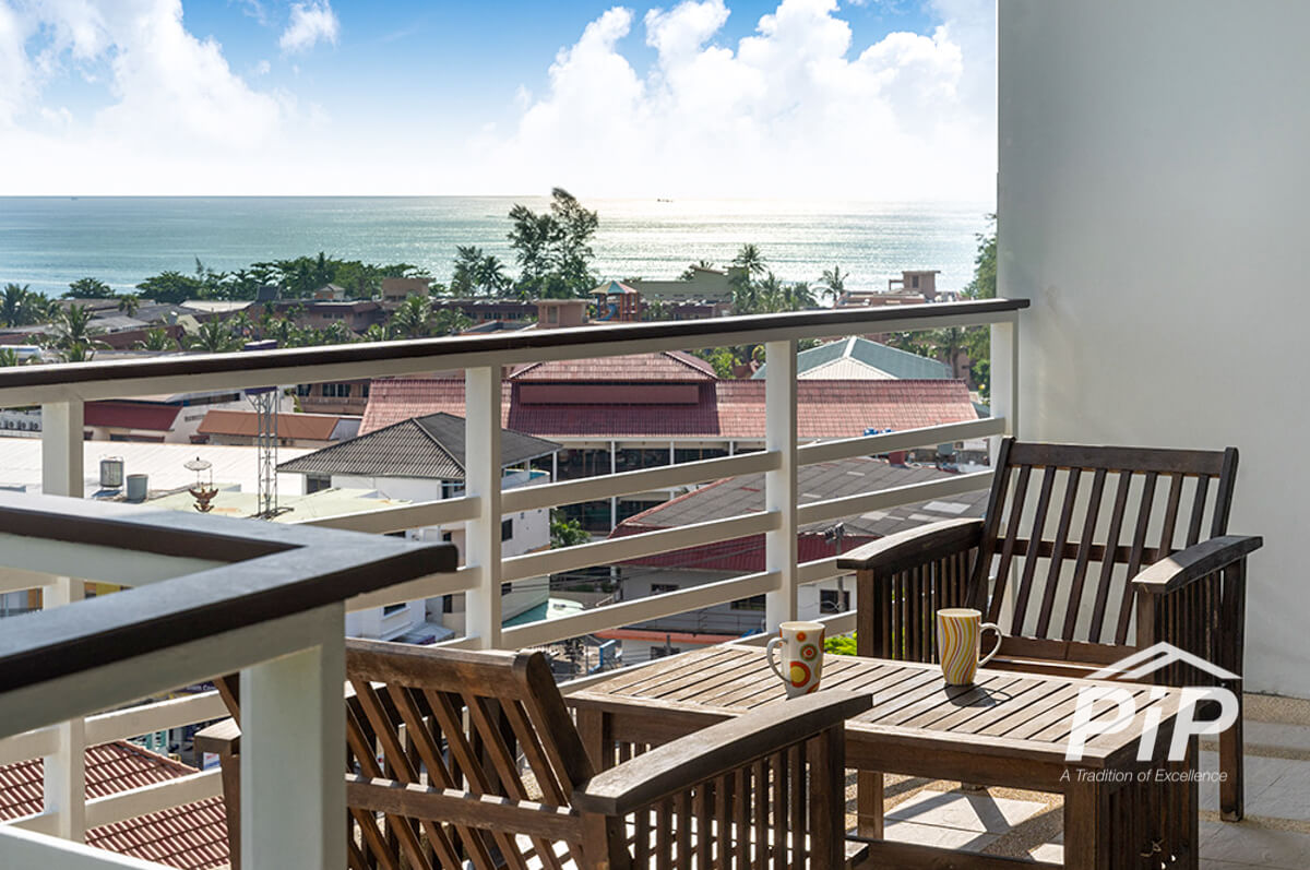 Large 1 Bedroom apartment in Karon