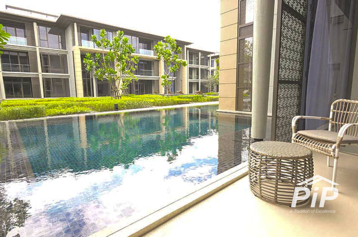 Pool Residence for Sale