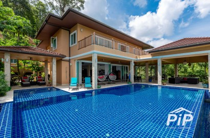 Private Pool Villa + Land for Sale in Kathu